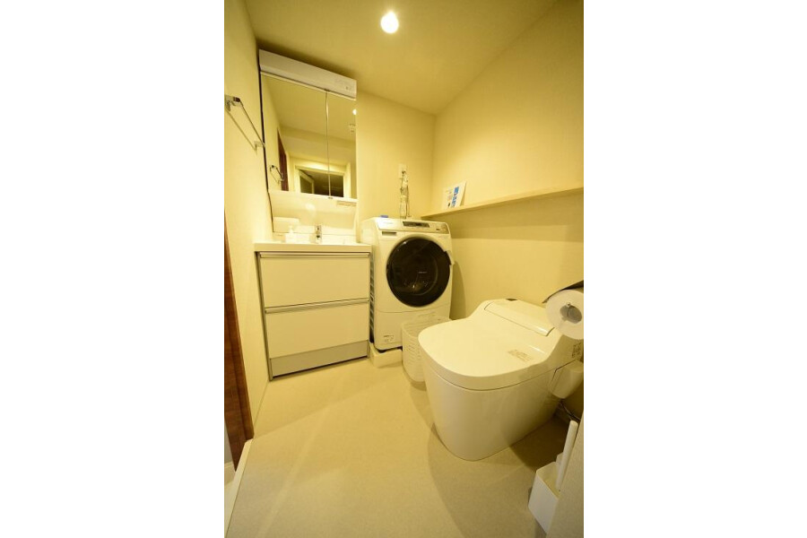 1R Serviced Apartment to Rent in Minato-ku Washroom