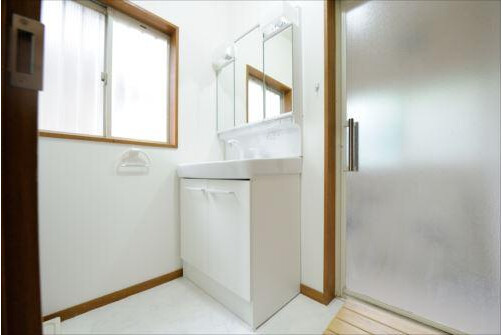 Shared Guesthouse to Rent in Meguro-ku Washroom