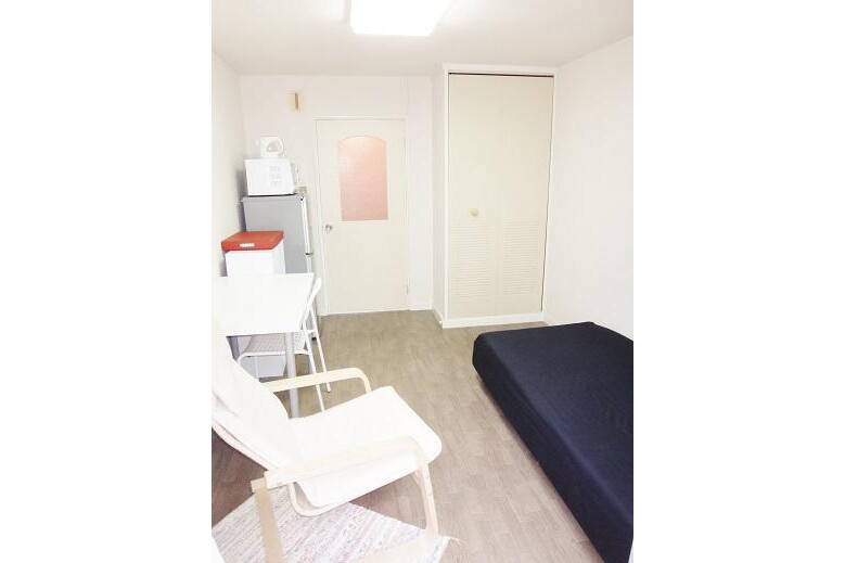 1K Apartment to Rent in Osaka-shi Higashisumiyoshi-ku Living Room
