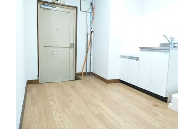 1DK Apartment to Rent in Suginami-ku Entrance