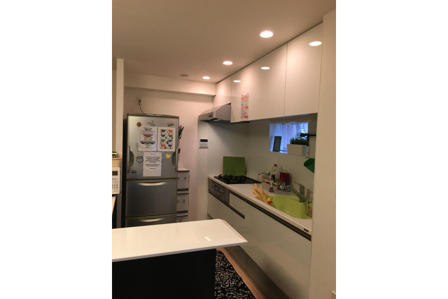 2LDK Apartment to Rent in Bunkyo-ku Interior