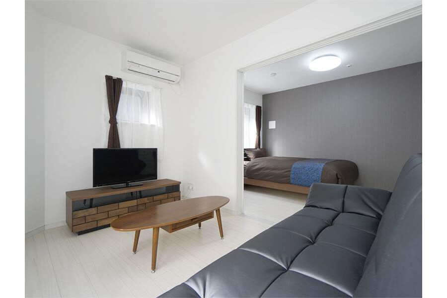 1LDK Apartment to Rent in Ota-ku Living Room