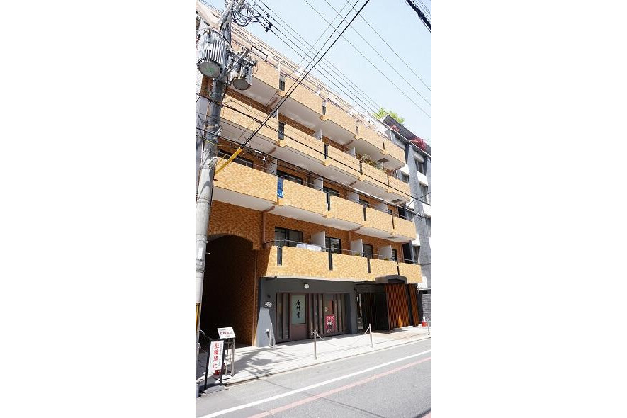 1K Apartment to Rent in Kyoto-shi Nakagyo-ku Exterior