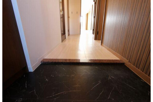 3SLDK Apartment to Rent in Nagoya-shi Chikusa-ku Entrance