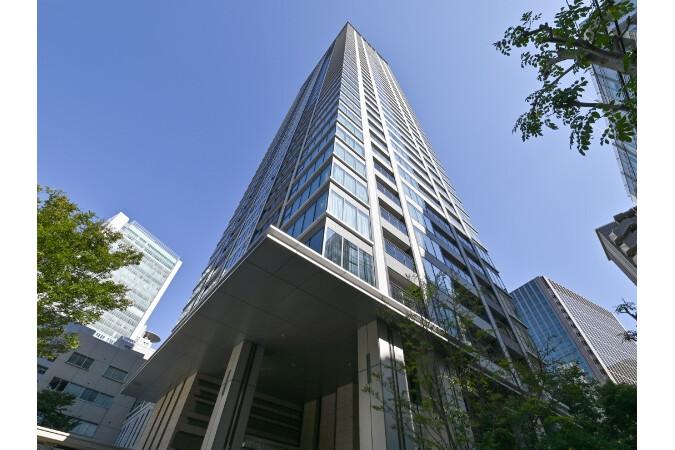 3LDK Apartment to Buy in Osaka-shi Kita-ku Exterior