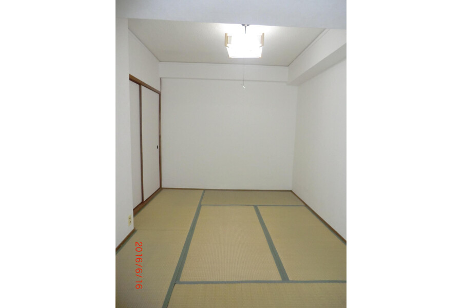 1R Apartment to Rent in Ibaraki-shi Bedroom