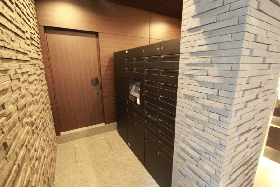 1LDK Serviced Apartment to Rent in Shibuya-ku Lobby
