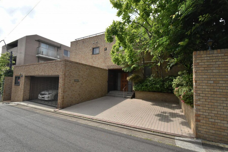 7SLDK House to Buy in Setagaya-ku Exterior