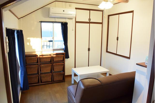 1LDK Apartment to Rent in Toyonaka-shi Living Room