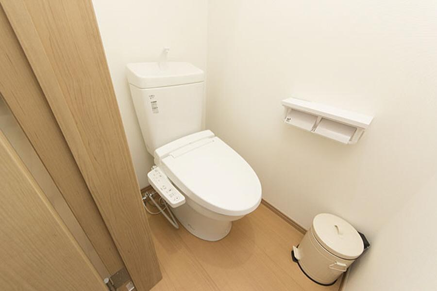 Private Serviced Apartment to Rent in Suginami-ku Toilet