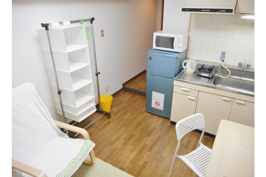 1R Apartment to Rent in Osaka-shi Nishiyodogawa-ku Living Room