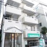 在新宿區內租賃1R 公寓大廈 的房產 戶外