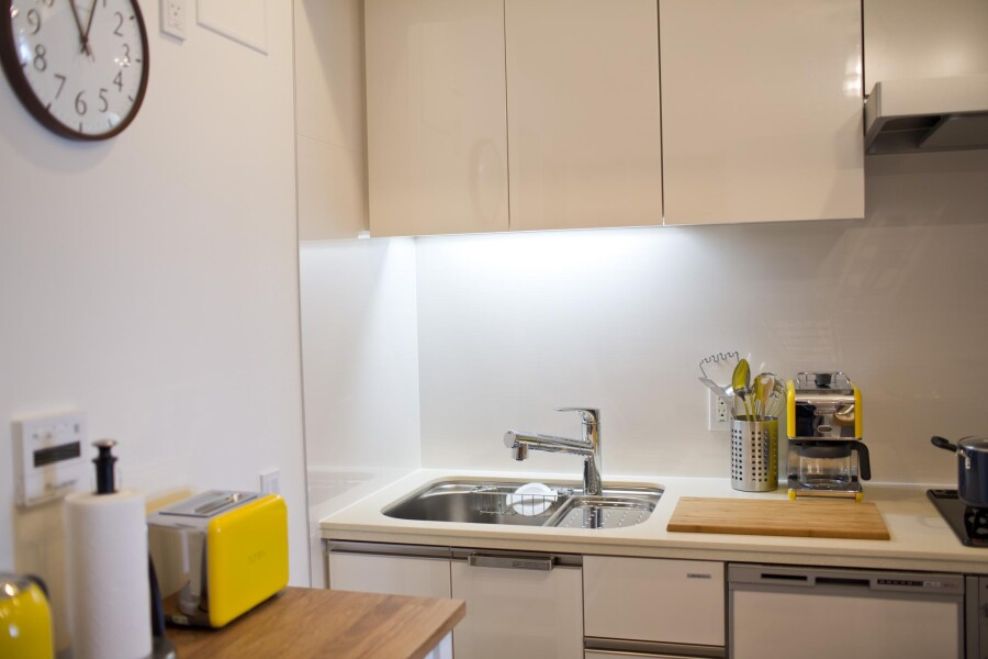 1LDK Apartment to Rent in Shinjuku-ku Kitchen