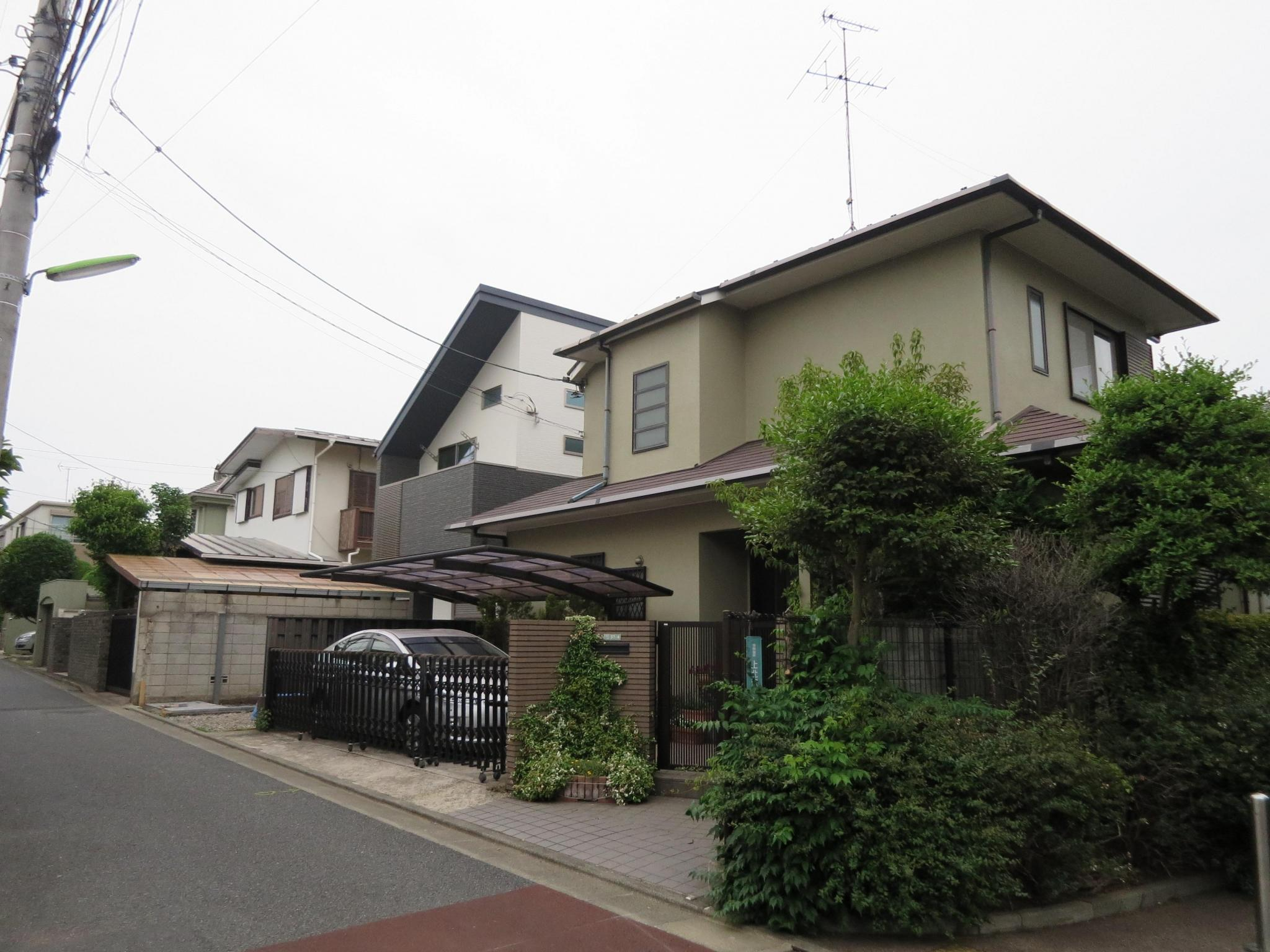 Whole building house kamikitazawa setagaya ku tokyo for Japan homes for sale