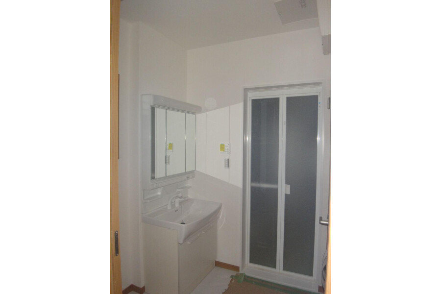 4LDK House to Buy in Yachimata-shi Washroom