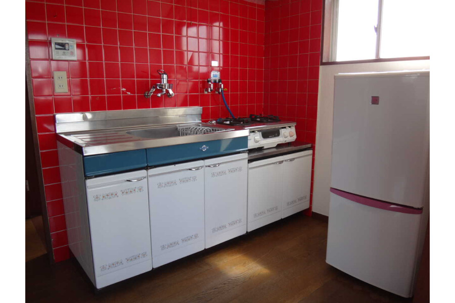 1LDK Apartment to Rent in Toyonaka-shi Kitchen