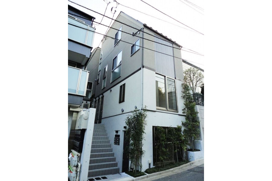 1DK Apartment to Rent in Bunkyo-ku Exterior