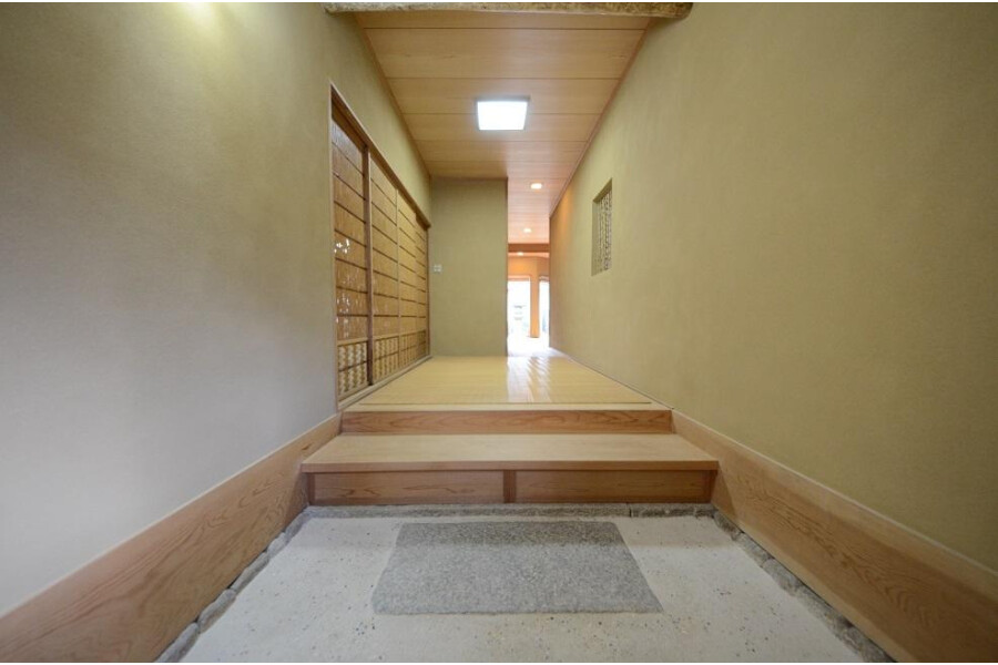 4LDK House to Buy in Kyoto-shi Sakyo-ku Entrance