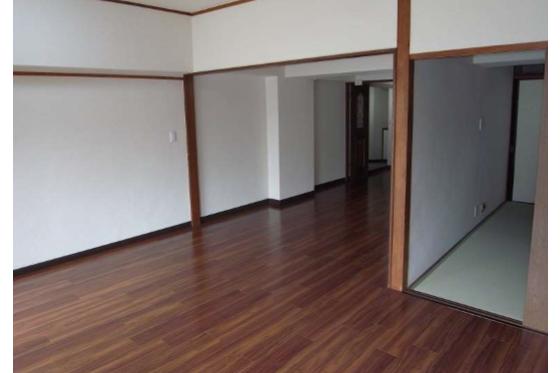 2LDK マンション 千葉市中央区 リビングルーム