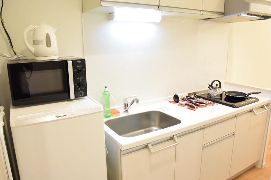 1LDK Apartment to Rent in Osaka-shi Chuo-ku Kitchen