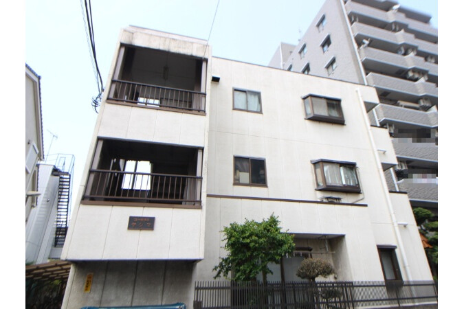 Whole Building Apartment to Buy in Adachi-ku Exterior