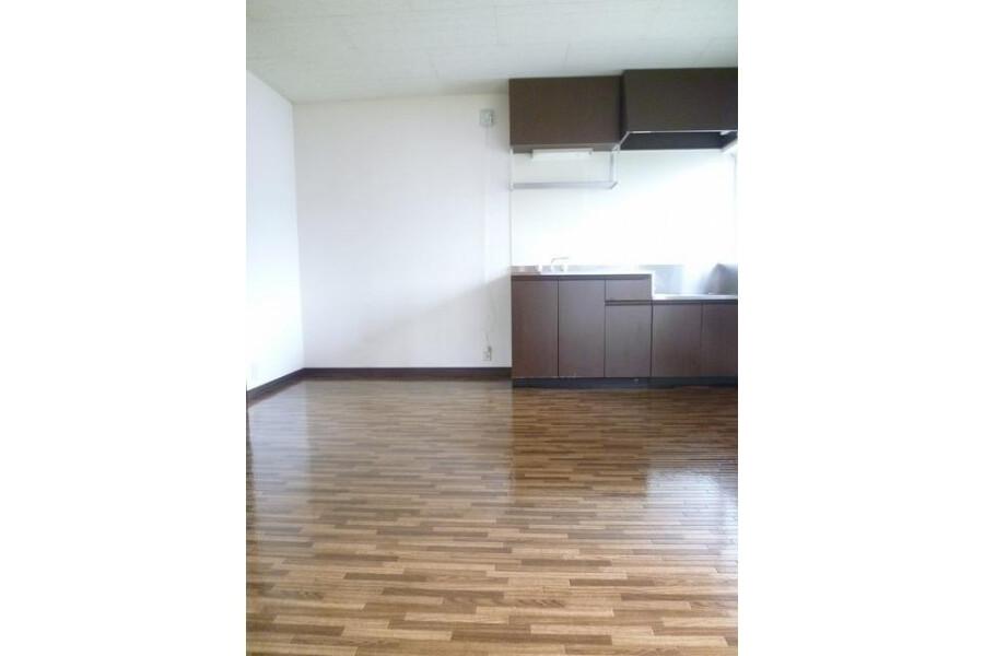 2DK Apartment to Rent in Kawasaki-shi Asao-ku Living Room