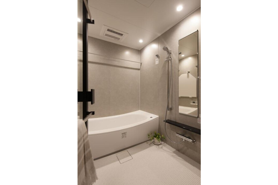4LDK Apartment to Buy in Chuo-ku Bathroom