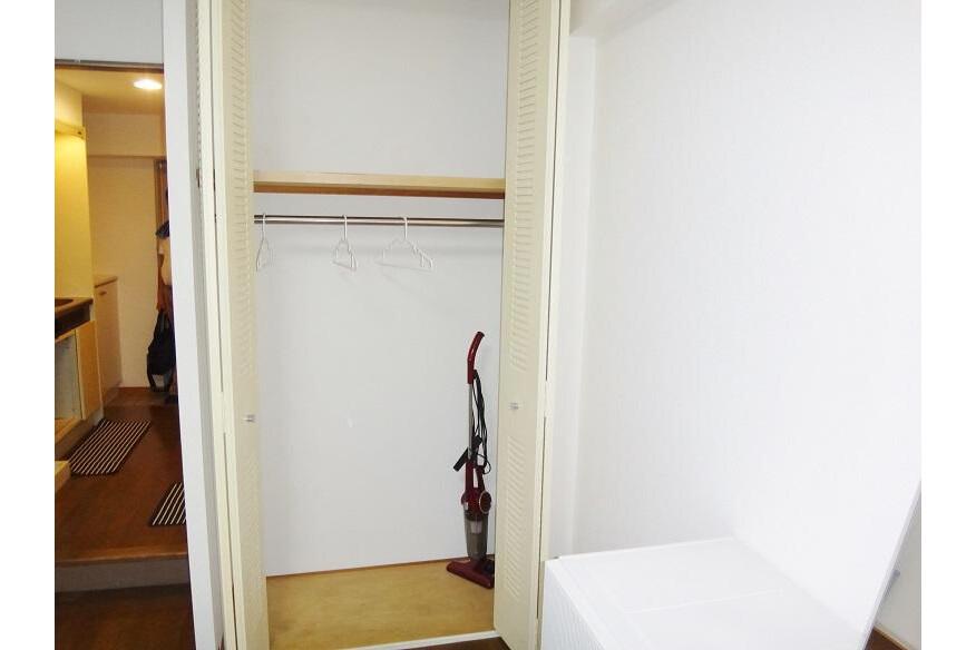 1K Apartment to Rent in Osaka-shi Ikuno-ku Storage
