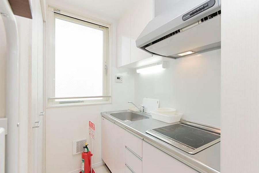 Private Guesthouse to Rent in Arakawa-ku Kitchen