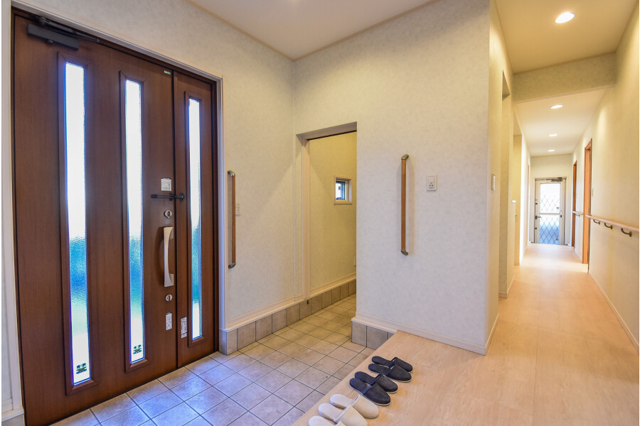 4LDK House to Buy in Suita-shi Entrance