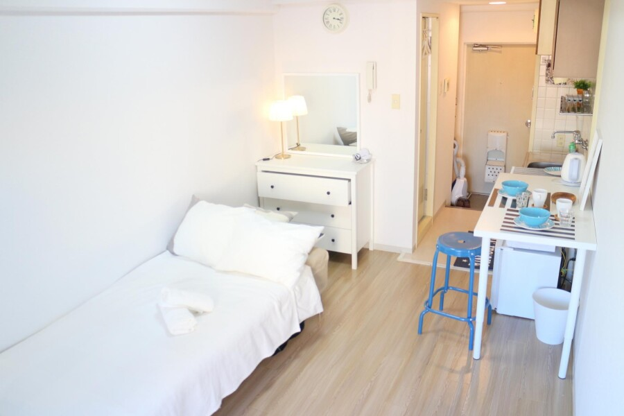 1R Apartment to Rent in Meguro-ku Bedroom