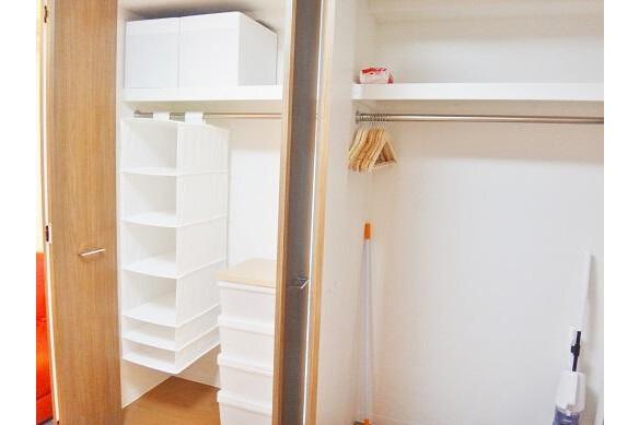 1LDK Apartment to Rent in Osaka-shi Kita-ku Storage