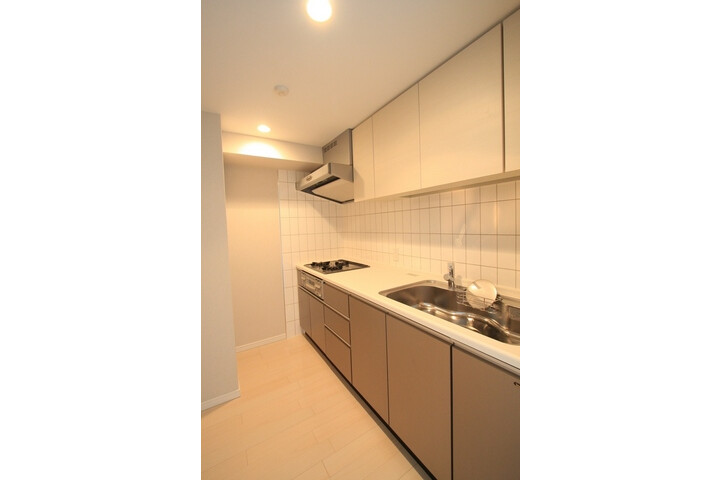 2LDK Apartment to Rent in Toshima-ku Interior