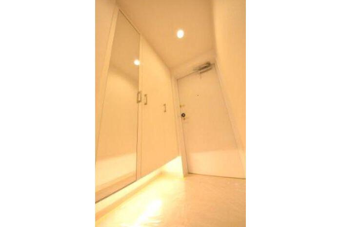 3LDK Apartment to Buy in Ota-ku Entrance