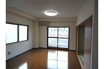 3LDK Apartment to Rent in Bunkyo-ku Exterior