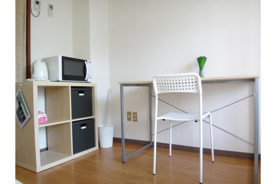 1K Apartment to Rent in Osaka-shi Miyakojima-ku Living Room