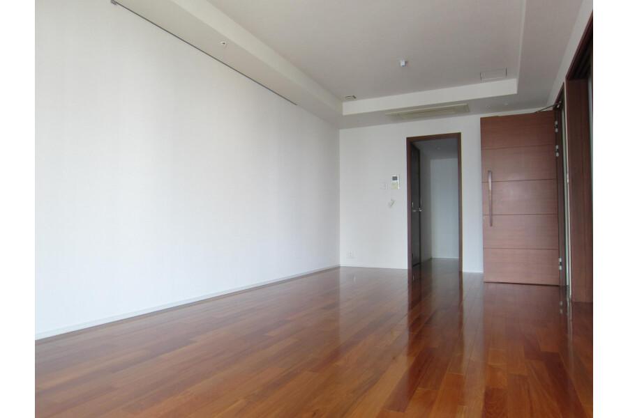 2SLDK Apartment to Rent in Minato-ku Interior