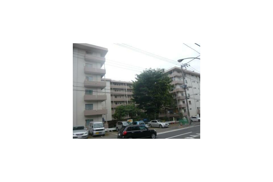 1K Apartment to Buy in Yokohama-shi Tsurumi-ku Exterior