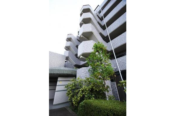 4LDK Apartment to Buy in Yokohama-shi Kohoku-ku Exterior