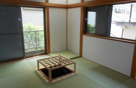 奈良市 富雄元町 4LDK {building type}