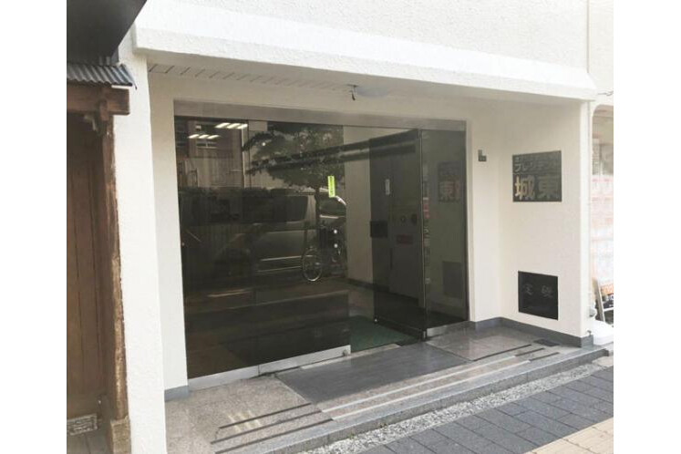 3LDK Apartment to Buy in Osaka-shi Joto-ku Exterior