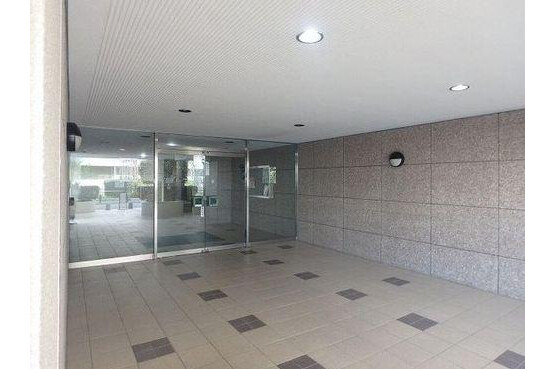 2SLDK Apartment to Buy in Shinagawa-ku Entrance Hall