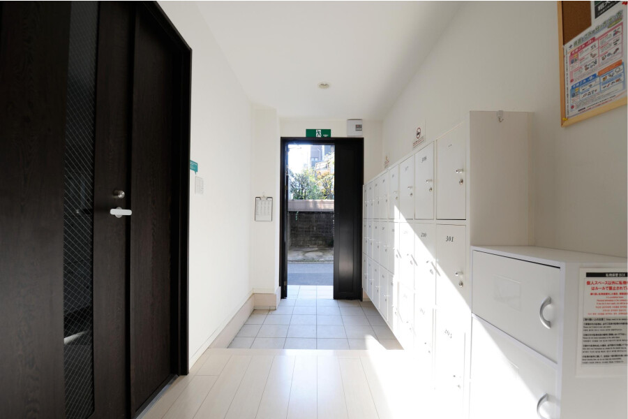 Private Guesthouse to Rent in Shibuya-ku Entrance