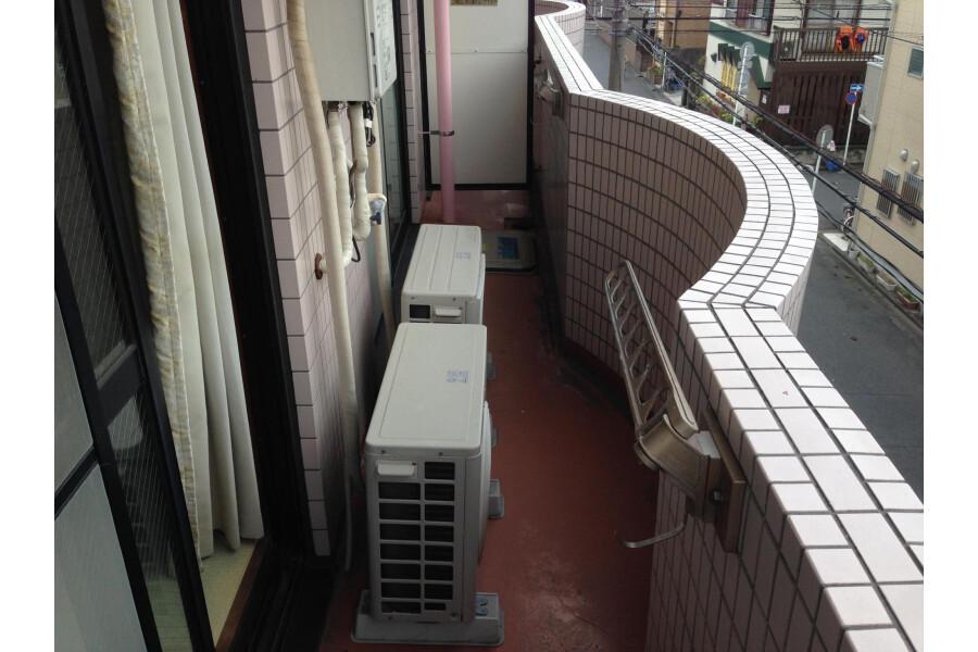 2LDK Apartment to Rent in Kawasaki-shi Kawasaki-ku Interior