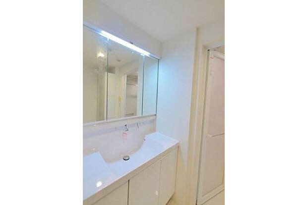 3LDK Apartment to Buy in Nakano-ku Washroom
