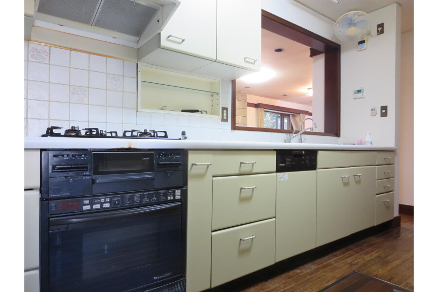 6SLDK House to Rent in Ota-ku Kitchen