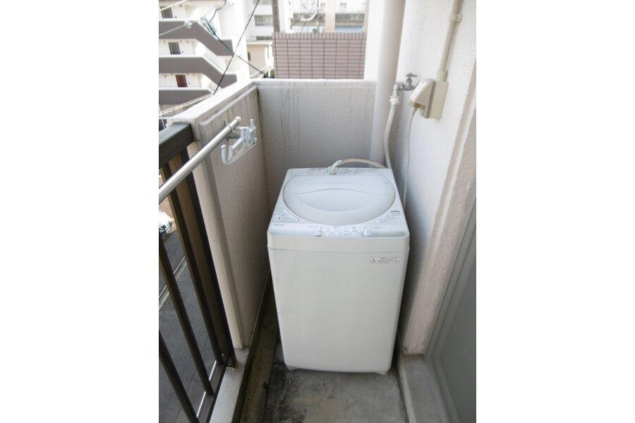 1R Apartment to Rent in Nagoya-shi Higashi-ku Balcony / Veranda