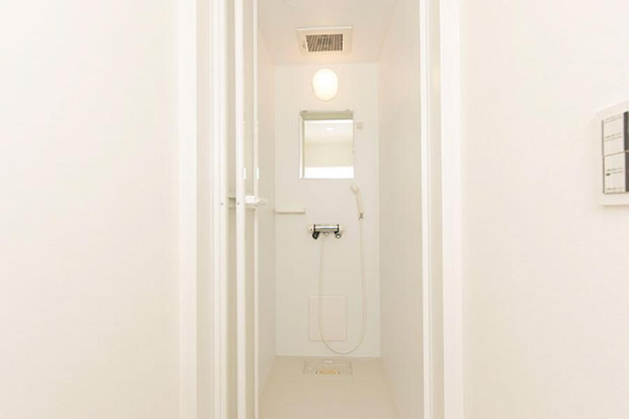 Private Guesthouse to Rent in Suginami-ku Bathroom
