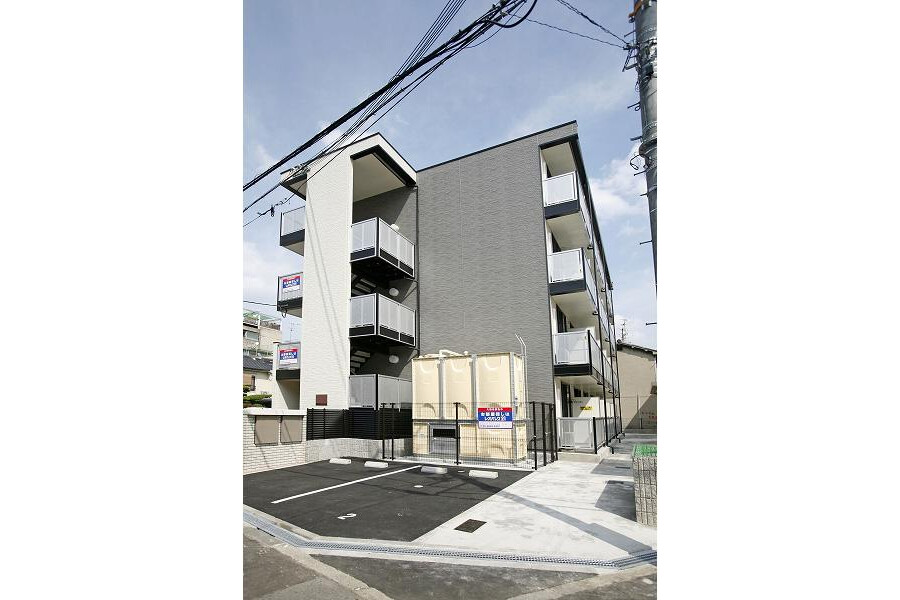 1K Apartment to Rent in Osaka-shi Ikuno-ku Exterior
