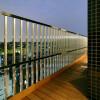 1K Apartment to Rent in Ota-ku Balcony / Veranda